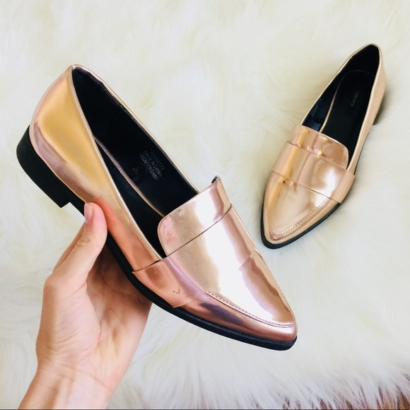 662965f789c6 Forever 21 Shoes   F21 Rose Gold Pointed Toe Loafer Tuxedo Flats 7 ...